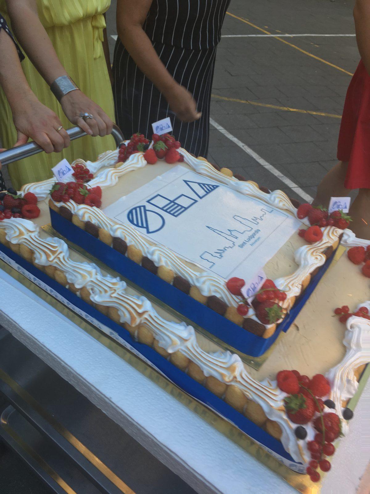 Nieuw logo taart