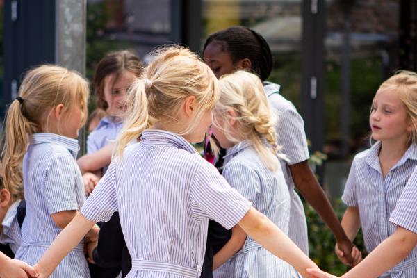 Kring van schoolmeisjes SLA